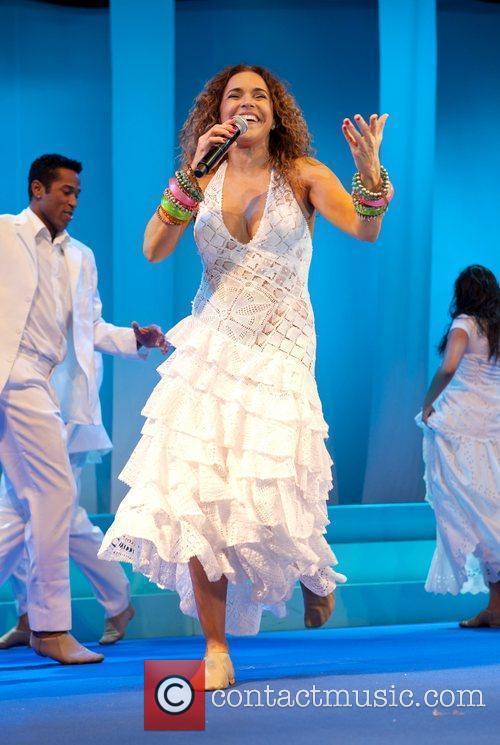 Daniela Mercury 7