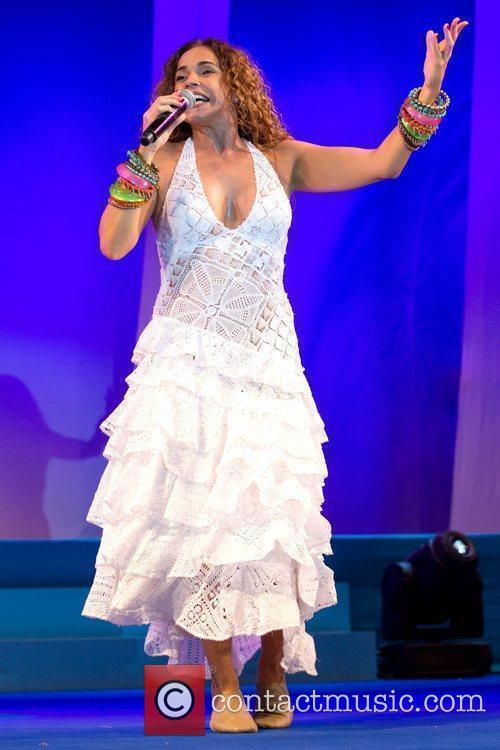 Daniela Mercury 9