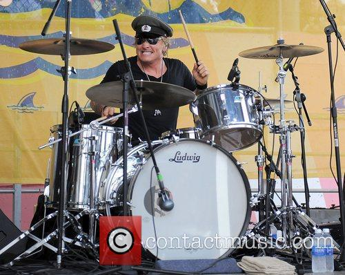 Matt Sorum Performs With The All Girl Quartet Darling Stilettos