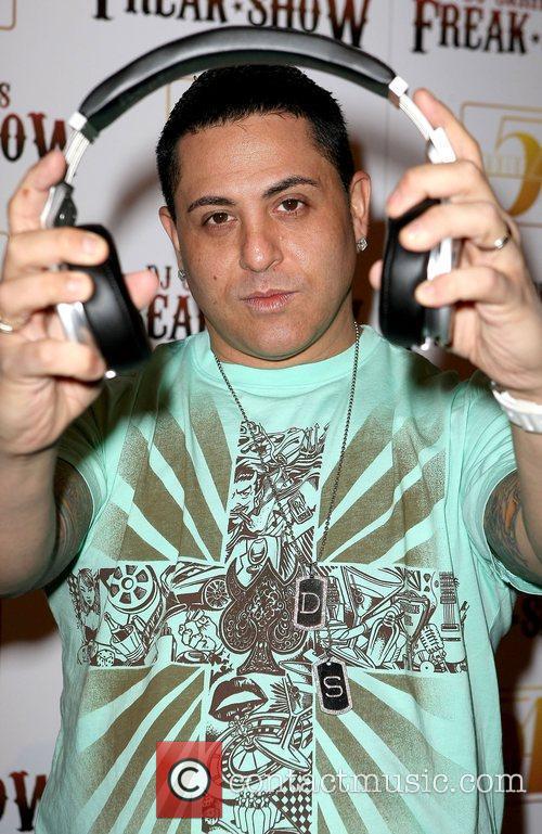 DJ Skribble Rock legend Dave Navarro joins DJ...