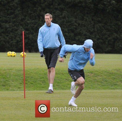 David Beckham and Peter Crouch 4