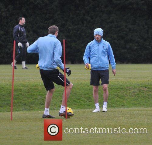 David Beckham and Peter Crouch 7