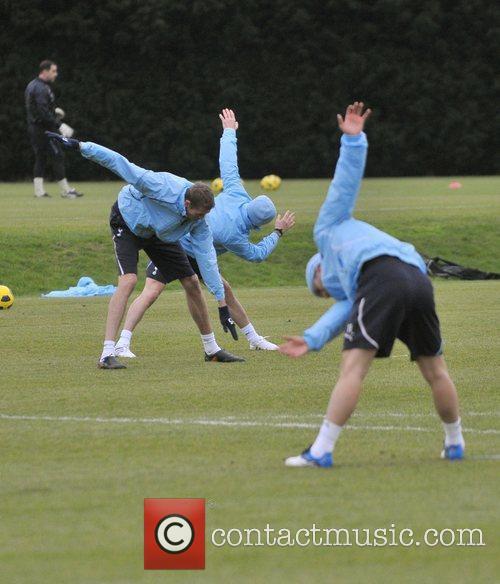 David Beckham and Peter Crouch 3