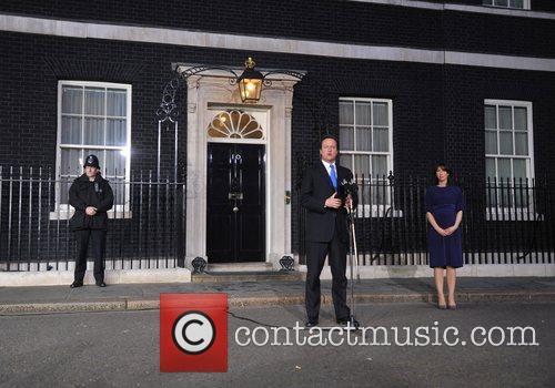 David Cameron and Queen Elizabeth Ii 3