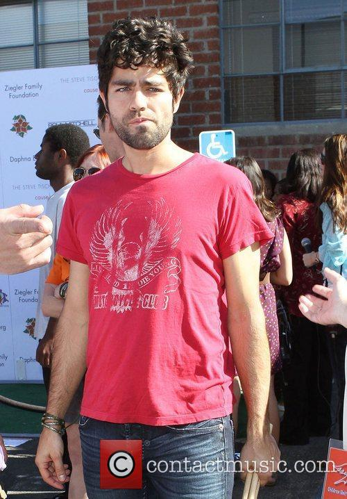 Adrian Grenier and Uniting Nations 4