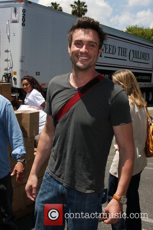 Daniel Goddard The 'Daytime Gives Back' Feed The...