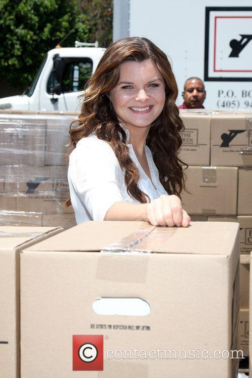 Heather Tom The 'Daytime Gives Back' Feed The...