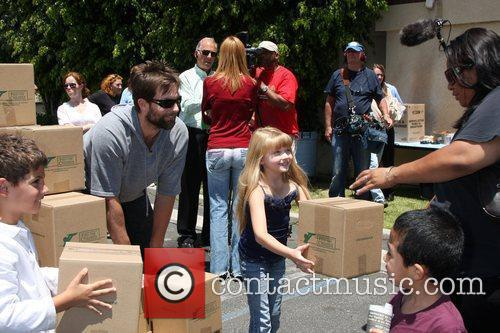 Michael Muhney and Samantha Bailey The 'Daytime Gives...