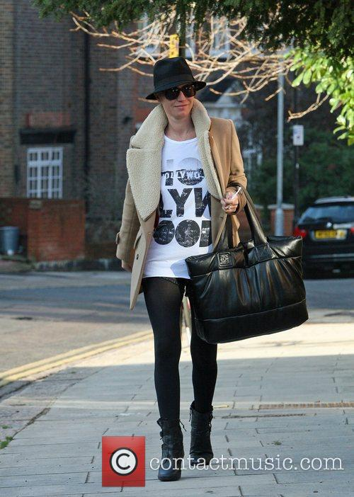 Denise Van Outen leaving home to go to...
