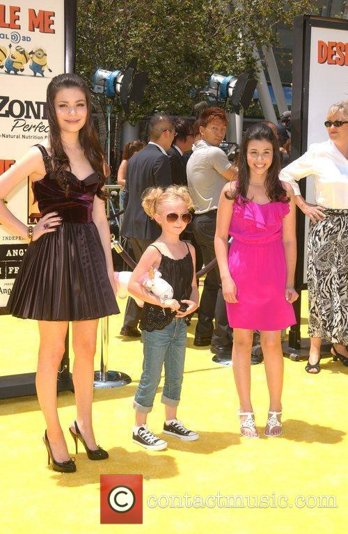 Miranda Cosgrove, Joey King and Dana Gaier