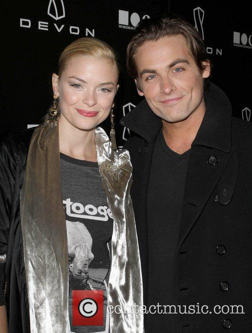 Jaime King, Jessica Stam and Kevin Zegers 6
