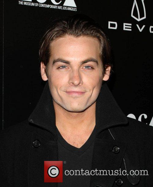 Kevin Zegers and Jessica Stam 5