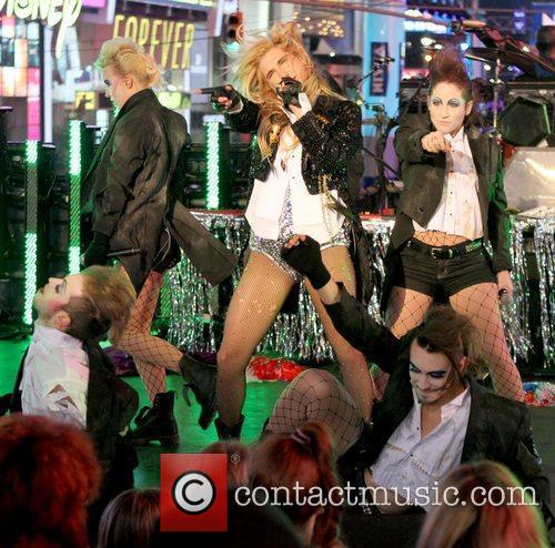 Ke$ha, Kesha, Dick Clark and Ryan Seacrest 5