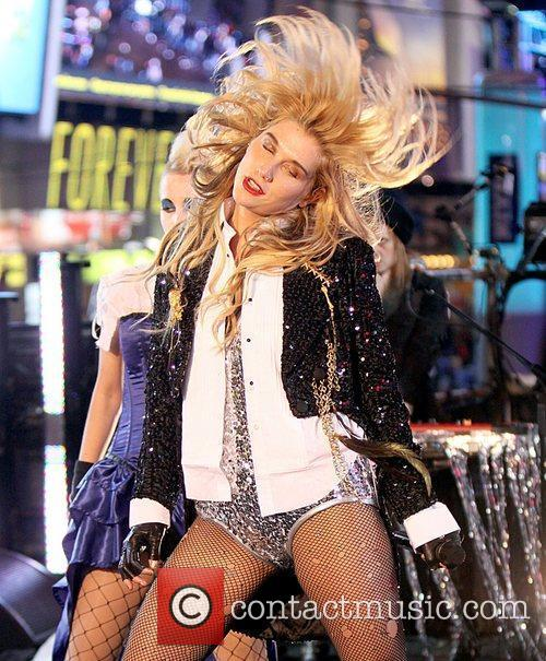 Ke$ha, Kesha, Dick Clark and Ryan Seacrest 8