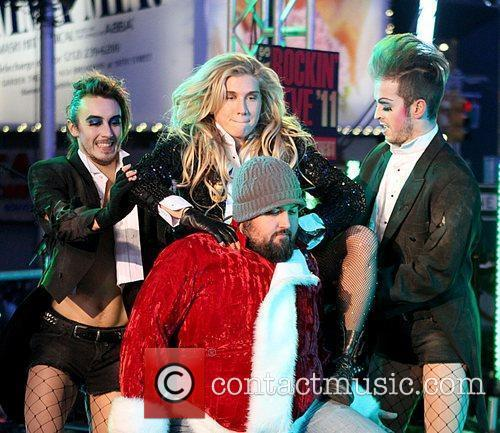 Ke$ha, Kesha, Dick Clark and Ryan Seacrest 11