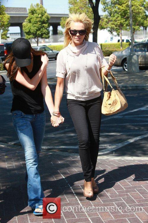 Dina, Ali Lohan and Lindsay Lohan 8