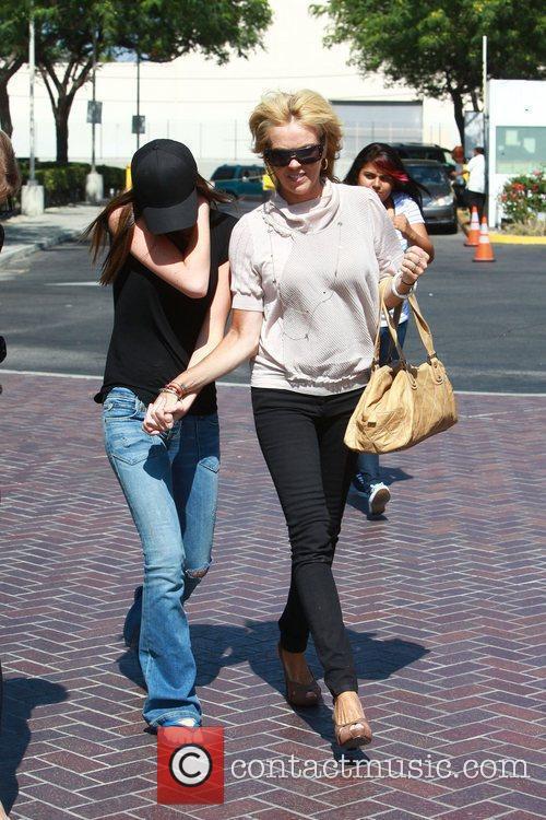 Dina, Ali Lohan and Lindsay Lohan 6