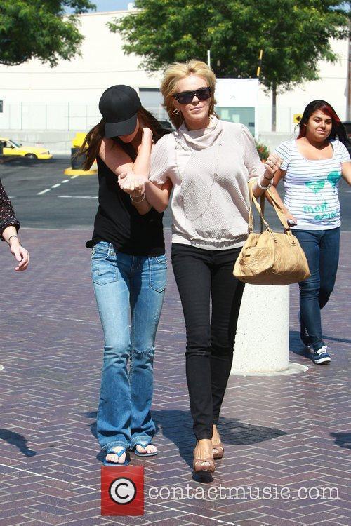 Dina, Ali Lohan and Lindsay Lohan 4
