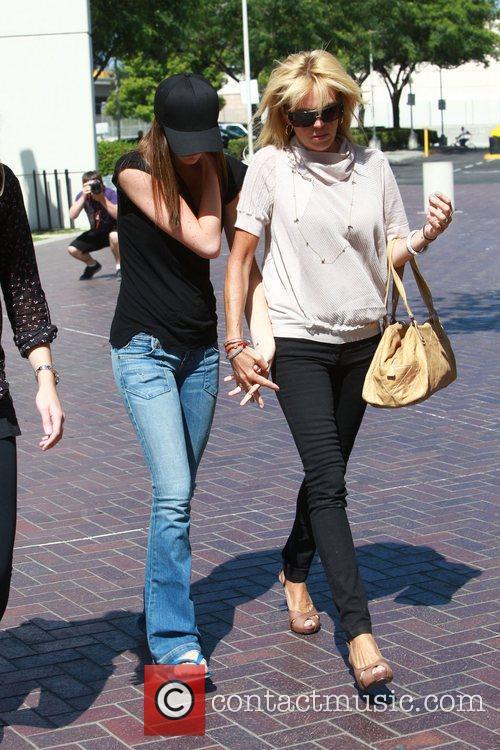 Dina, Ali Lohan and Lindsay Lohan 5