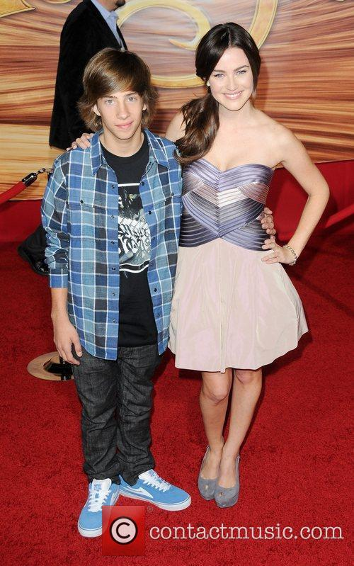 Jimmy Bennett and Jonna Walsh