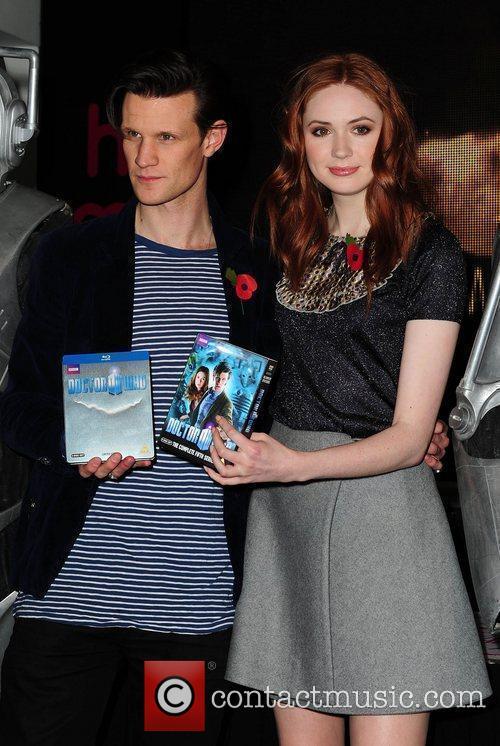 Matt Smith and Karen Gillan  signing copies...