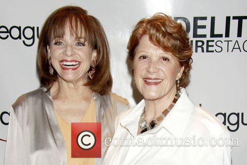Valerie Harper and Linda Lavin 4
