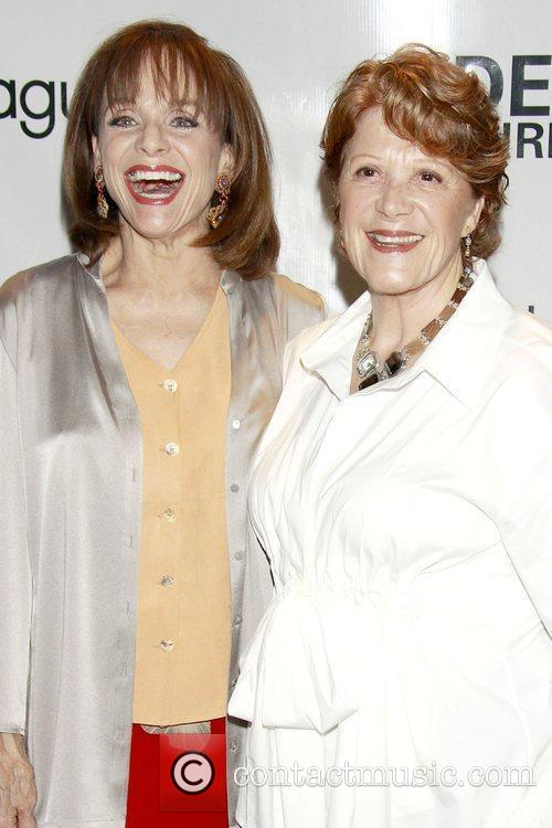 Valerie Harper and Linda Lavin 3