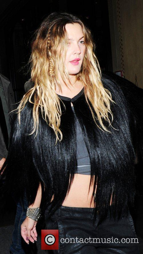 Drew barrymore leaving her hotel on her way to make an for Way back house music
