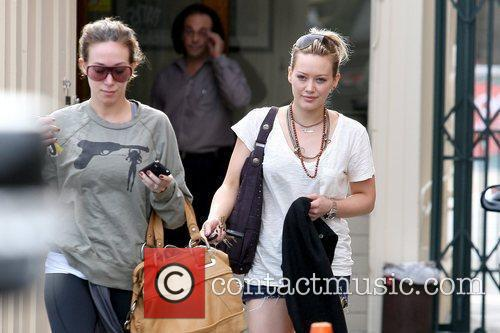 Haylie Duff and Hilary Duff 4