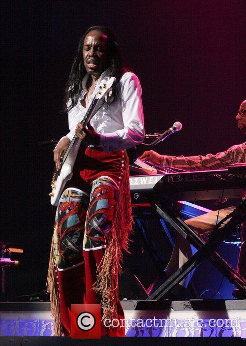 Earth Wind And Fire 13