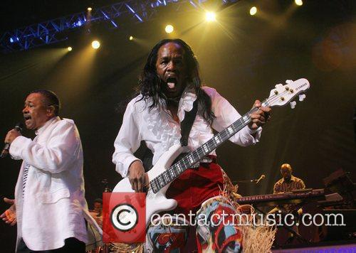 Earth Wind And Fire 24