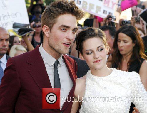 Robert Pattinson and Kristen Stewart  2010 Los...