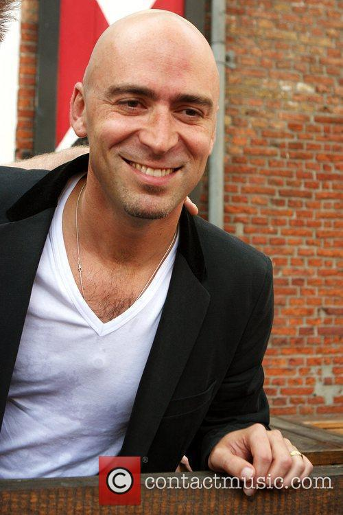Ed Kowalczyk signs copies of his debut solo...