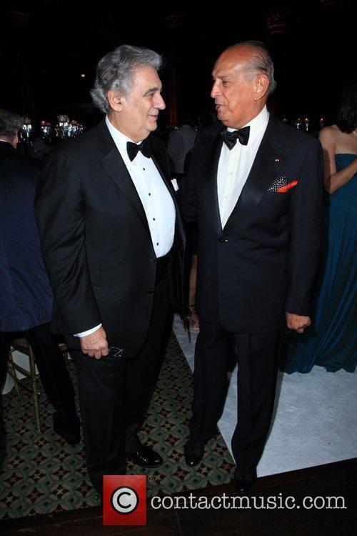 Placido Domingo and Oscar De La Renta 5
