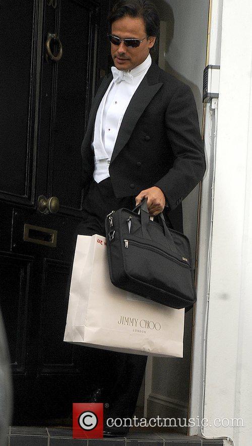 Arun Nayar leaves home for Elton John's Tiara...