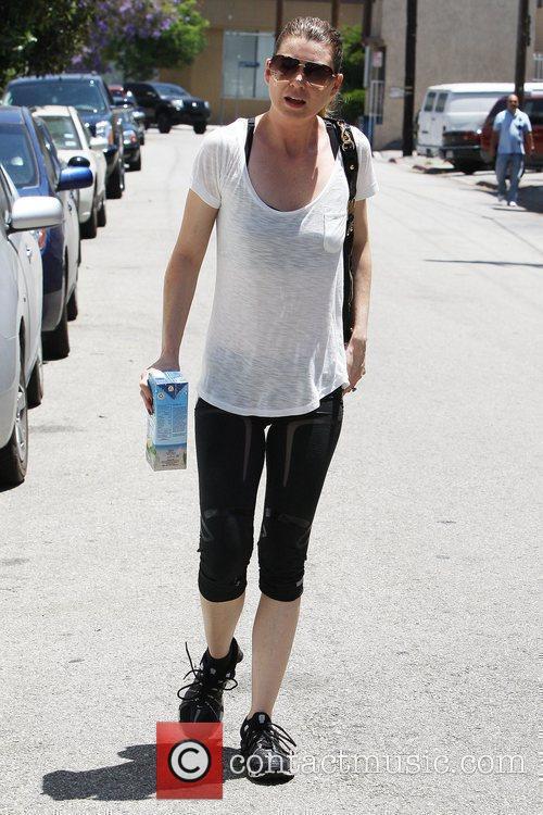 'Grey's Anatomy' star Ellen Pompeo hydrates herself with...
