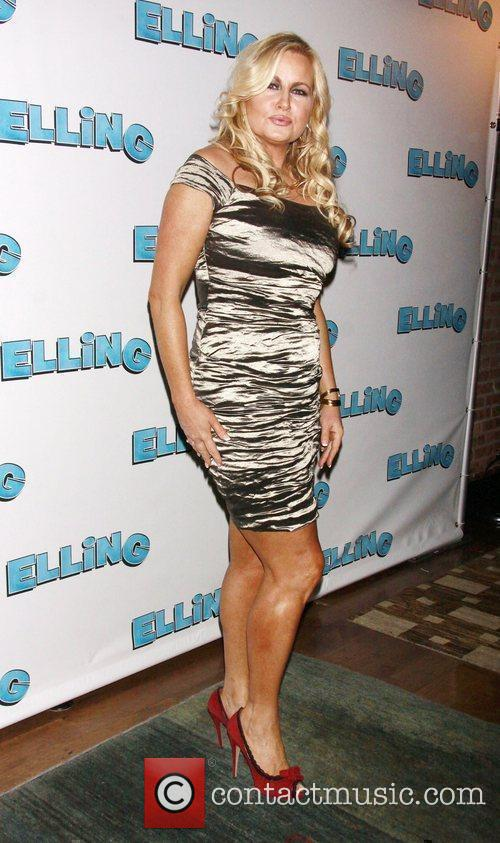 jennifer coolidge nude photos and porn