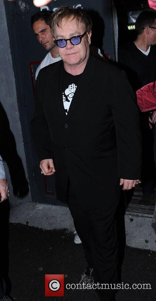 Elton John 8
