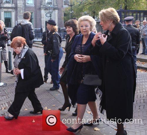Emma Thompson, Journey and Queen Beatrix 7