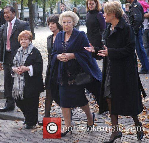 Emma Thompson, Journey and Queen Beatrix 2
