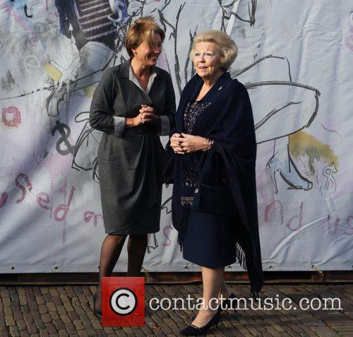Emma Thompson, Journey and Queen Beatrix 5