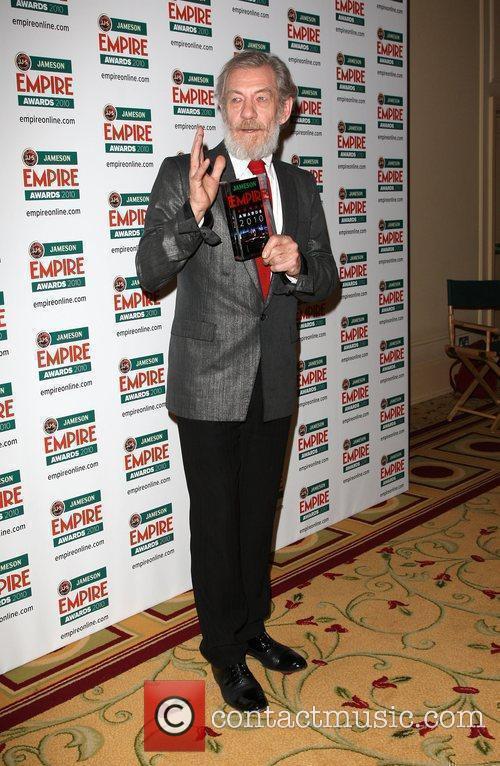 Sir Ian McKellan poses with the Icon award...