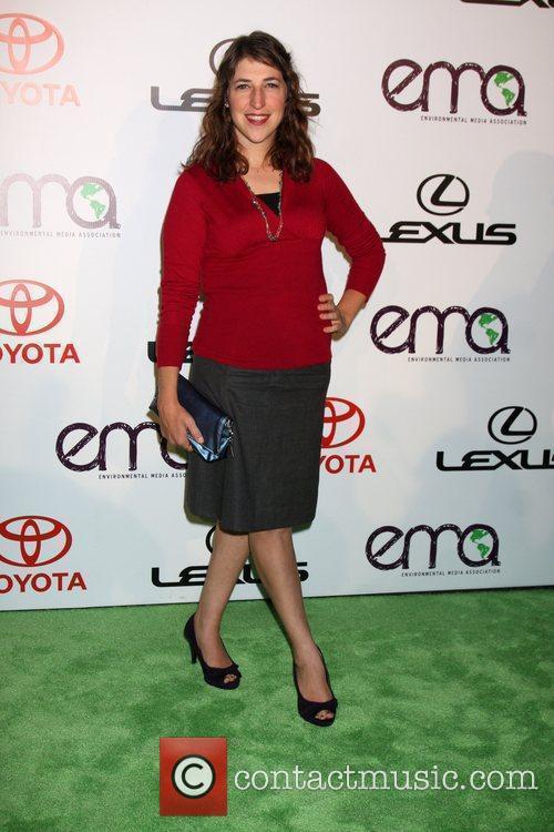 Mayim Bialik arrives to the 2010 Environmental Media...