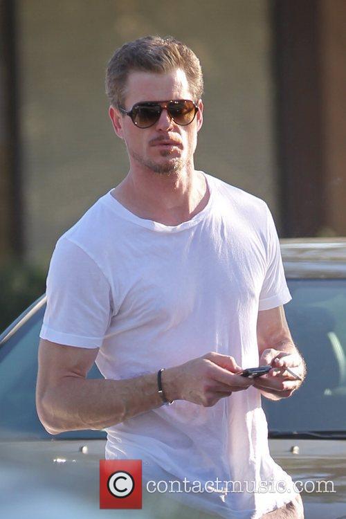 'Grey's Anatomy' star shopping in Hollywood