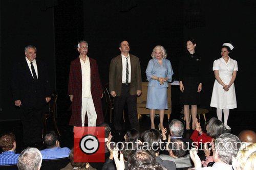 Hal Robinson, Keir Dullea, Matt Servitto, Marsha Mason,...