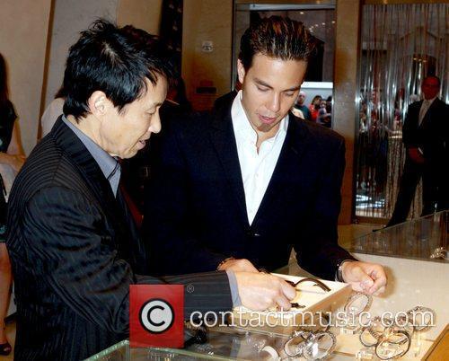 Yuki Ohno and Olympic gold medalist Apolo Ohno...