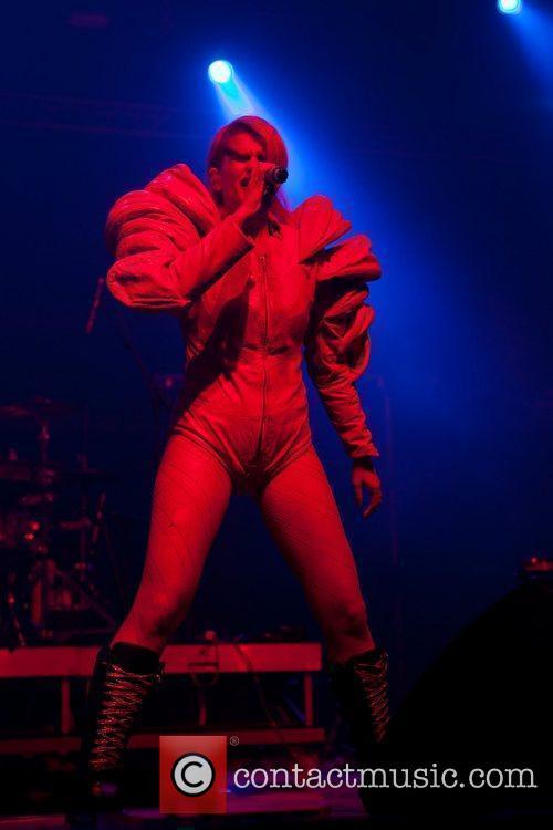 Peaches performing at Optimus Alive! 2010 at Passeio...