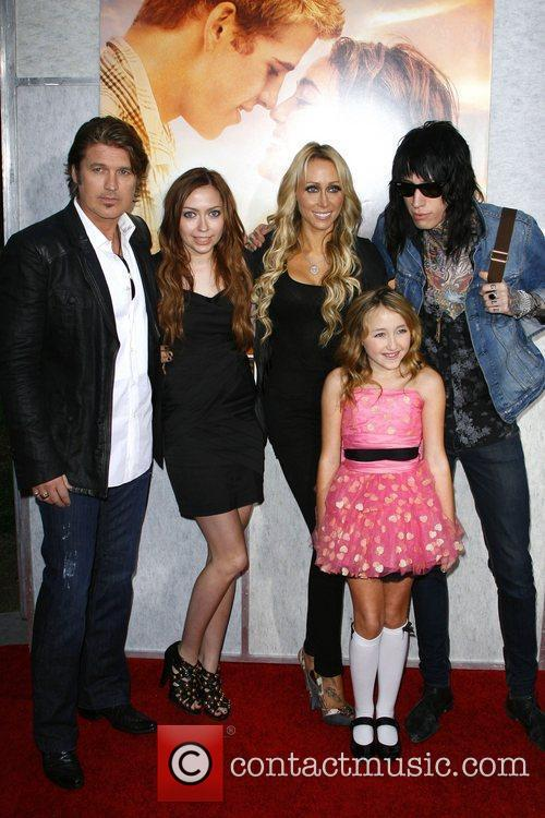 Miley Cyrus, Billy Ray Cyrus, Tish Cyrus and Trace Cyrus