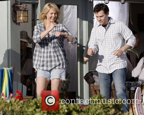 Jenna Elfman filming a scene from her new...
