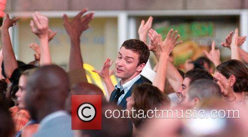 Justin Timberlake and Mila Kunis 4